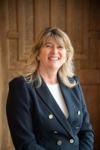 Mrs Wendy Martin